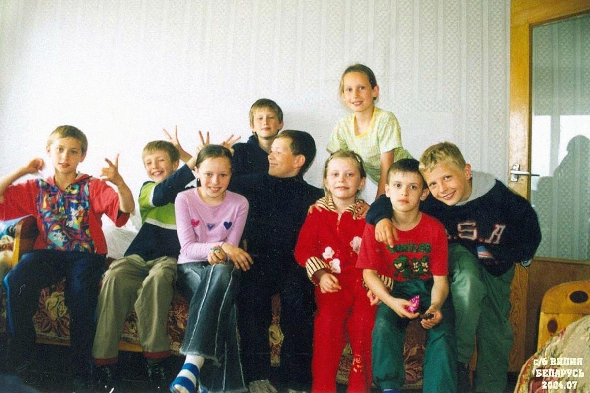 Юные фристайлисты. Крайний справа – будущий участник Олимпийских игр, член национальной сборной Станислав Гладченко, 2004 год